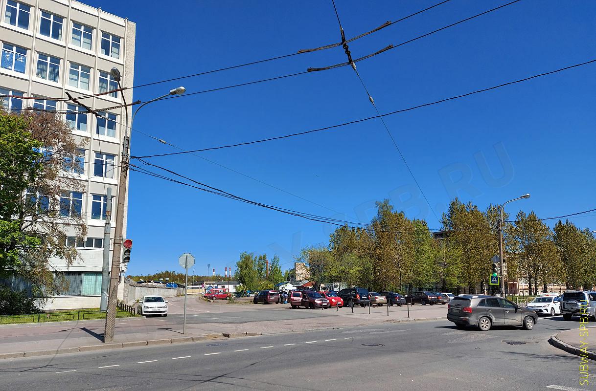 Qui c'era l'atrio della stazione della metropolitana Dachnoye, San Pietroburgo