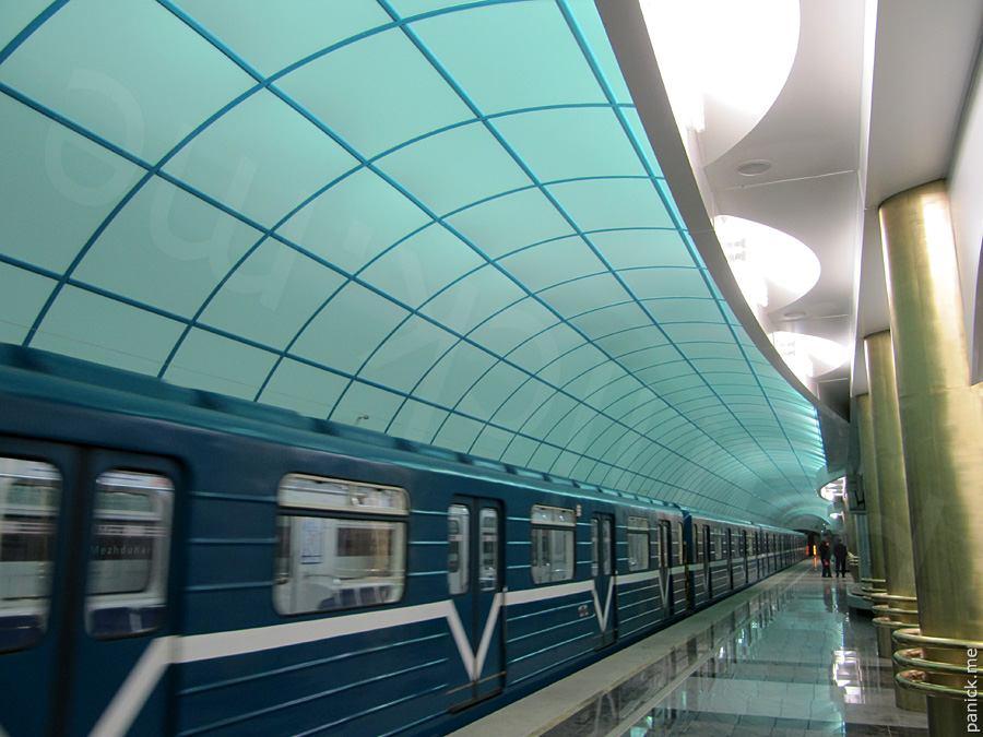 Питерское метро, станция Международная