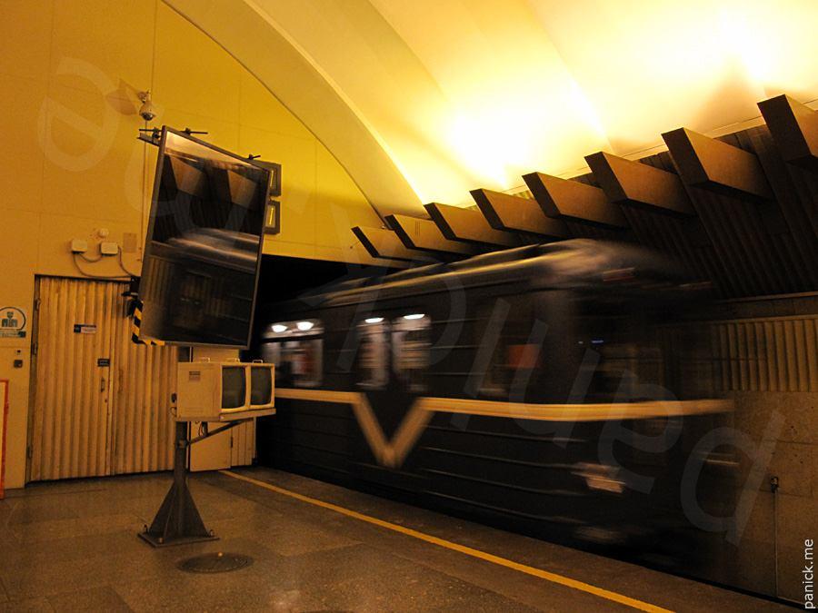 Питерское метро, станция Политехническая