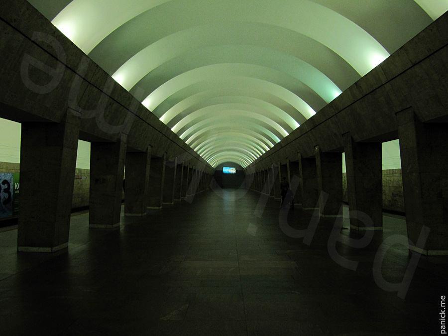 Питерское метро, станция Выборгская