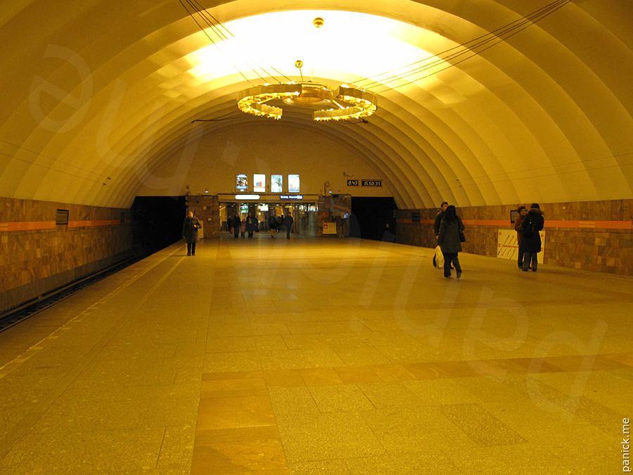 Станция «Автово» из-за новодела превратилась в убожество