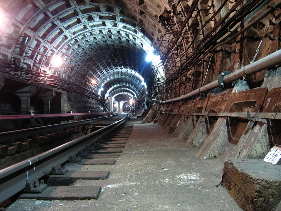 Filiale di collegamento alle stazioni Ploshad Vosstanyia / Mayakovskaya, metropolitana di San Pietroburgo