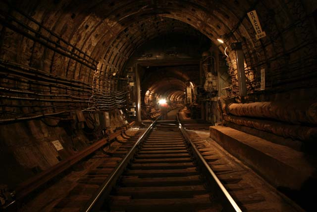 接続トンネルSadovaya / Nevsky展望、サンクトペテルブルクメトロ